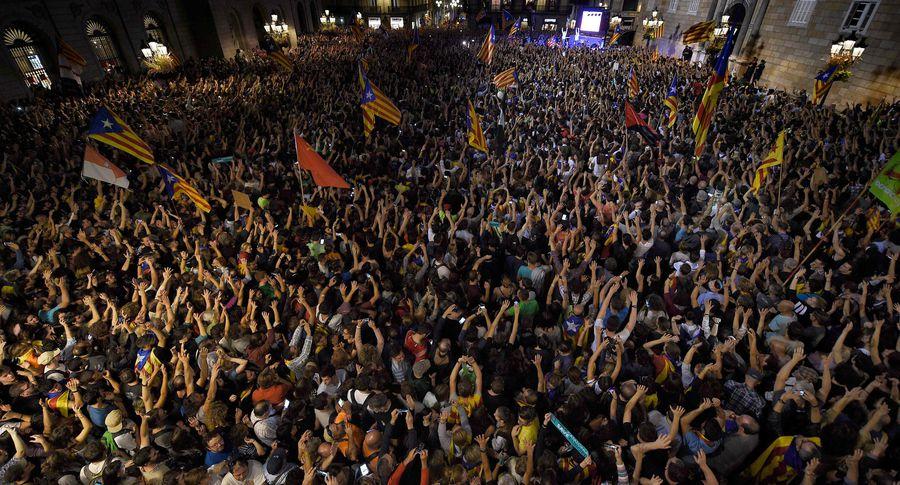 Три человека пострадали намитинге вБарселоне