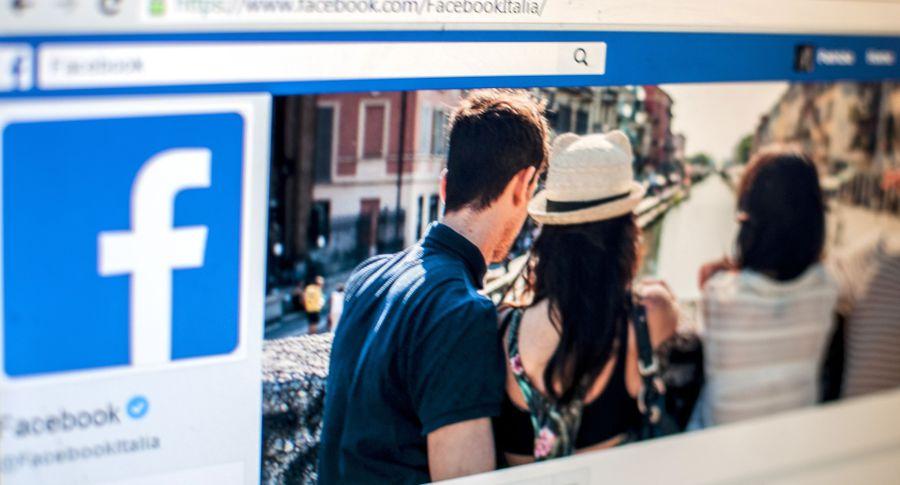 Социальная сеть Facebook блокирует около 1 млн аккаунтов ежедневно