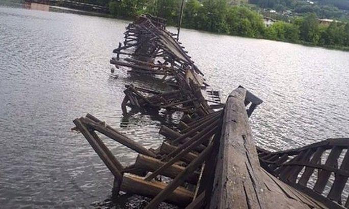 В Российской Федерации рухнул очередной мост: онбыл уникальным