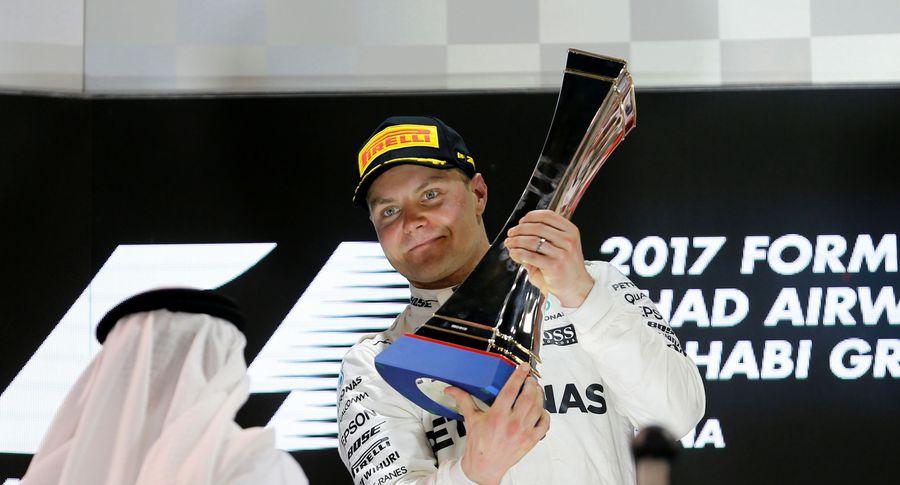 Боттас одержал победу квалификацию Гран-при Абу-Даби