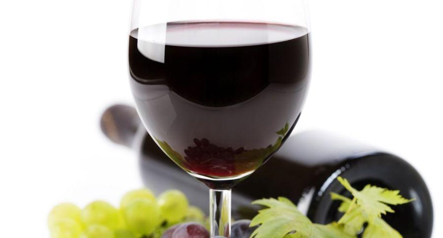 Красное вино увеличивает шансы женщины набеременность— Ученые