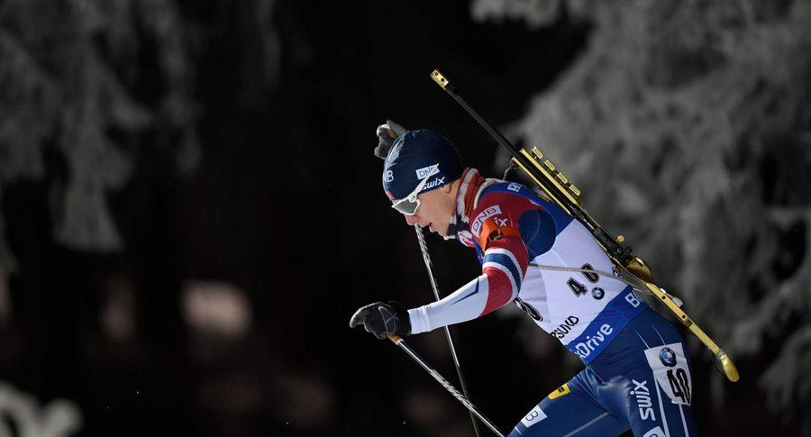 Норвежец Тарьей Бё одержал победу 1-ый спринт биатлонного сезона