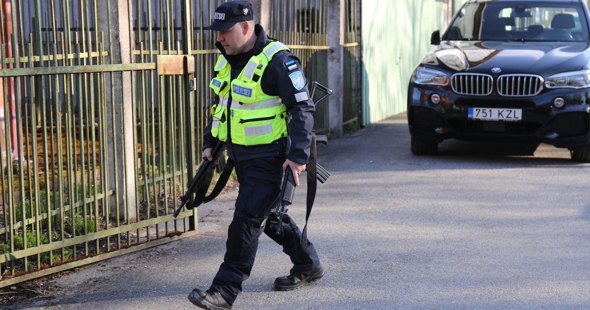 Не выходите из дома! Спасатели и полиция проводят спецоперацию для поимки медведей