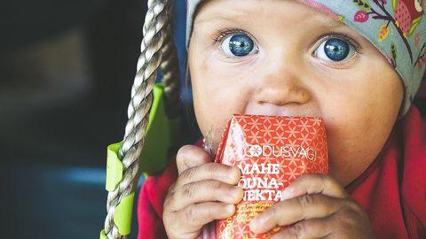 Eriti tundlik on kunstlikele lisaainetele lapse arenev organism. Seepärast on eriti oluline valida lapse toidulauale vaid puhtad tooted.