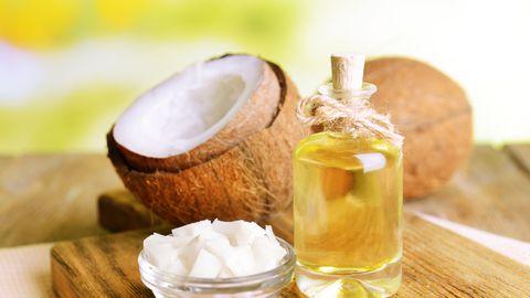 Kookosõli tervislikkusest: kas vaid müügitrikk või aitab see päriselt lisakilodest vabaneda?