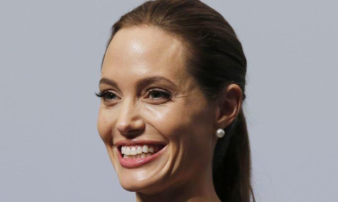 Фото: Анджелина Джоли решила прооперировать руки - Звезды ... Самые Некрасивые Актрисы