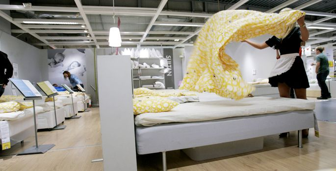 bdc541d7a06 IKEA kauplus | FOTO: SCANPIX. Rootsis kajastub põgenikekriis ka  mööblikaubamajadeketi IKEA tootevalikus, kuna voodid ja madratsid on  hakanud otsa ...