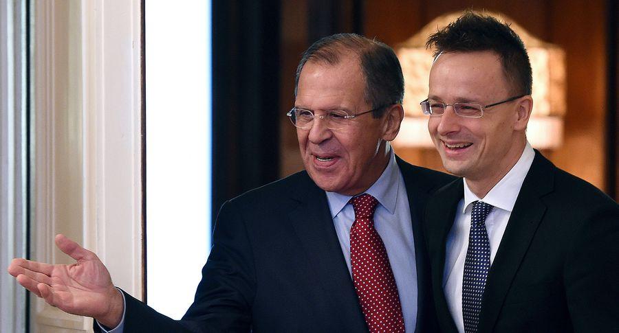 Венгрия не будет поддерживать евроатлантические усилия Украины без отмены закона об образовании,- министр Сийярто - Цензор.НЕТ 5961