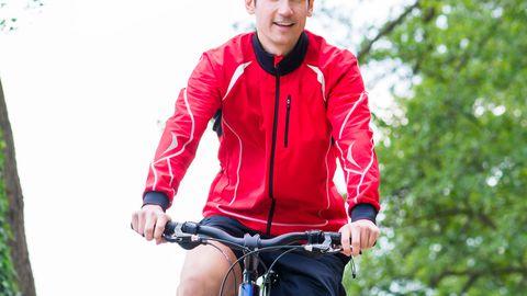 Jalgrattaga sõites põletasid mehed rohkem süsivesikuid, kui olid eelnevalt söönud hommikust.