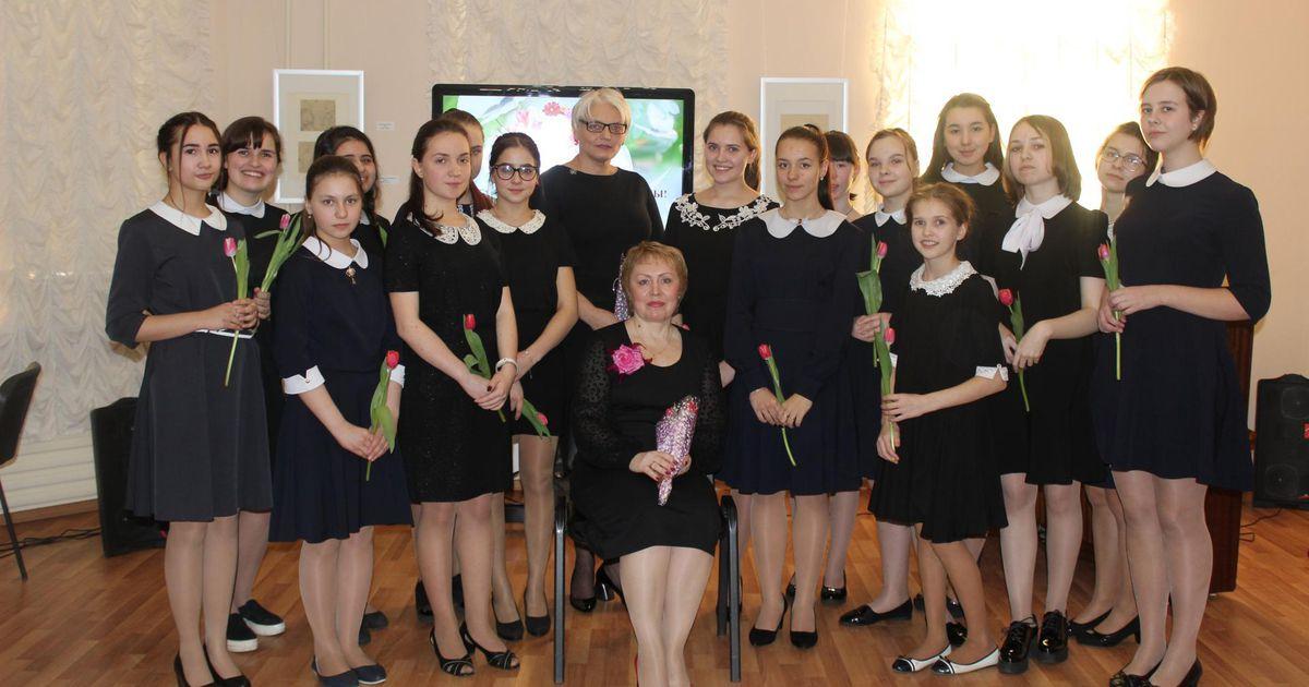 Idanaabri lauluneiud Viljandis