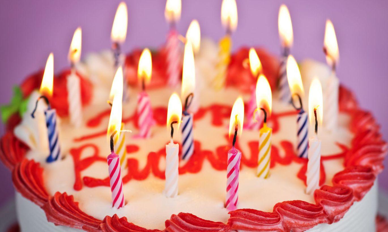 торт со свечами открытка с днем рождения маме практике