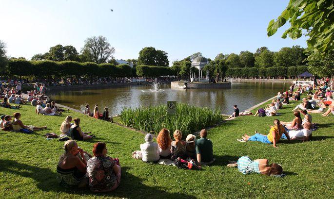 b3f0fb92a9d Kadrioru Park palus kõiki pargi meeleolukale sünnipäevale! Üks  külalisesinejatest oli Karl-Erik Taukar
