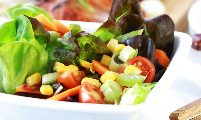a15a4a3f271 Selle asemel külmpressi oliiviõliga salati söömine on üks samm tervislikuma  toitumise poole.