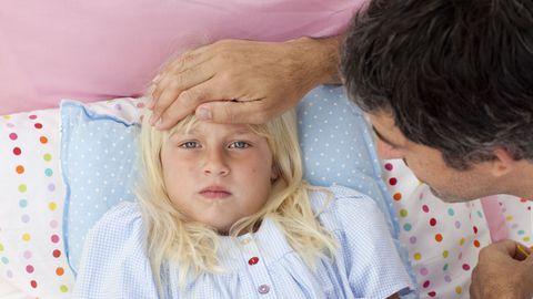 Haige lapsega peab vanema koju jääma.