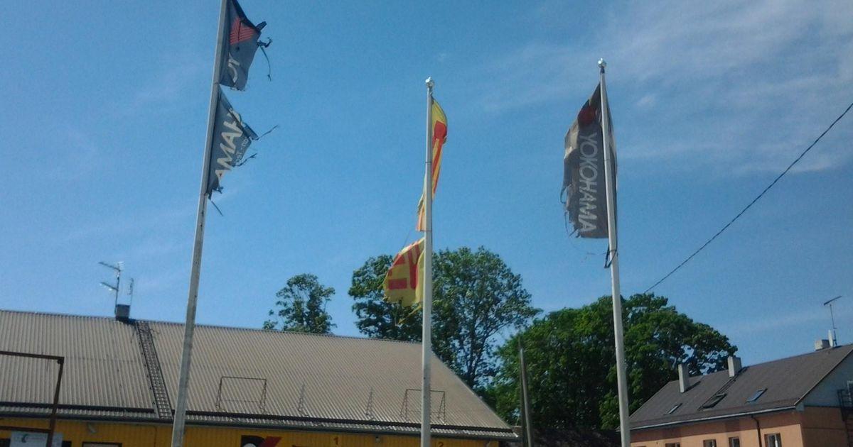 Piltuudis: räbaldunud lipud teevad margi täis