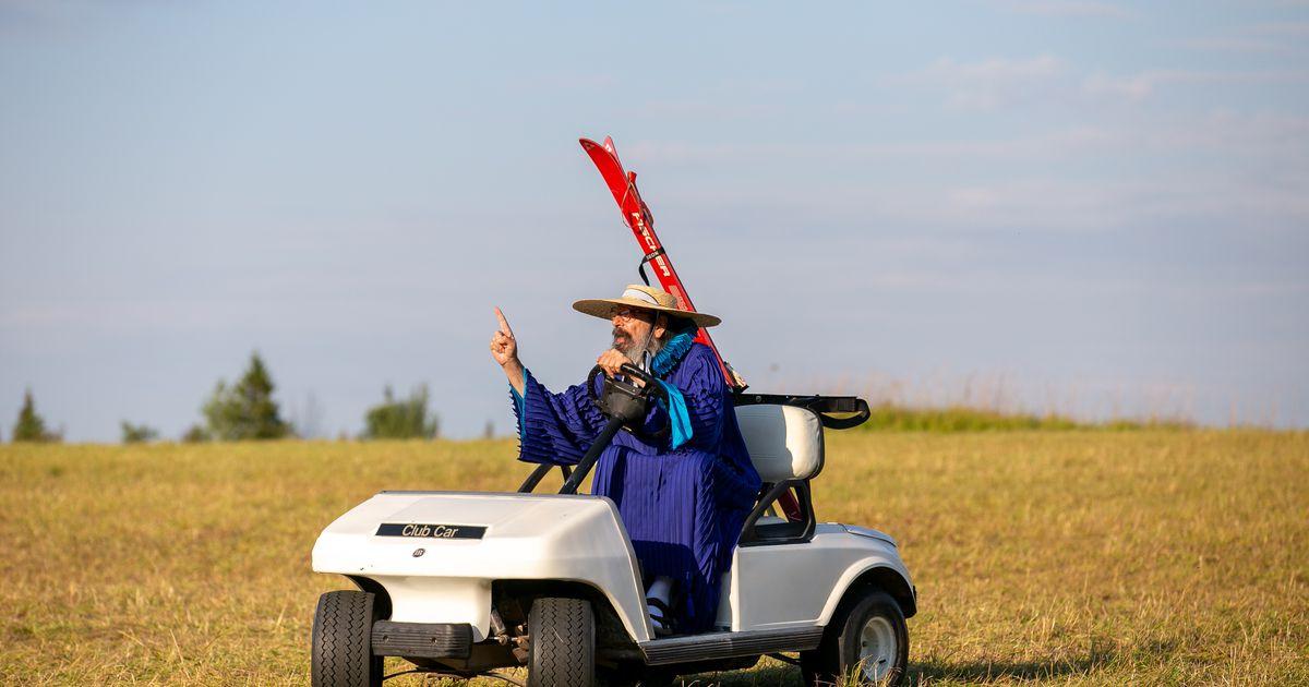 Paide Teater müüb vürst Volkonski golfiautot