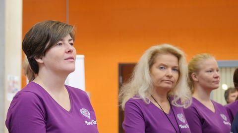 Eakate olümpia peakorraldaja, Tartu linnavalitsuse Sotsiaal- ja tervishoiuosakonna Terviseteenistuse juhataja Piret Väljaots (vasakul)