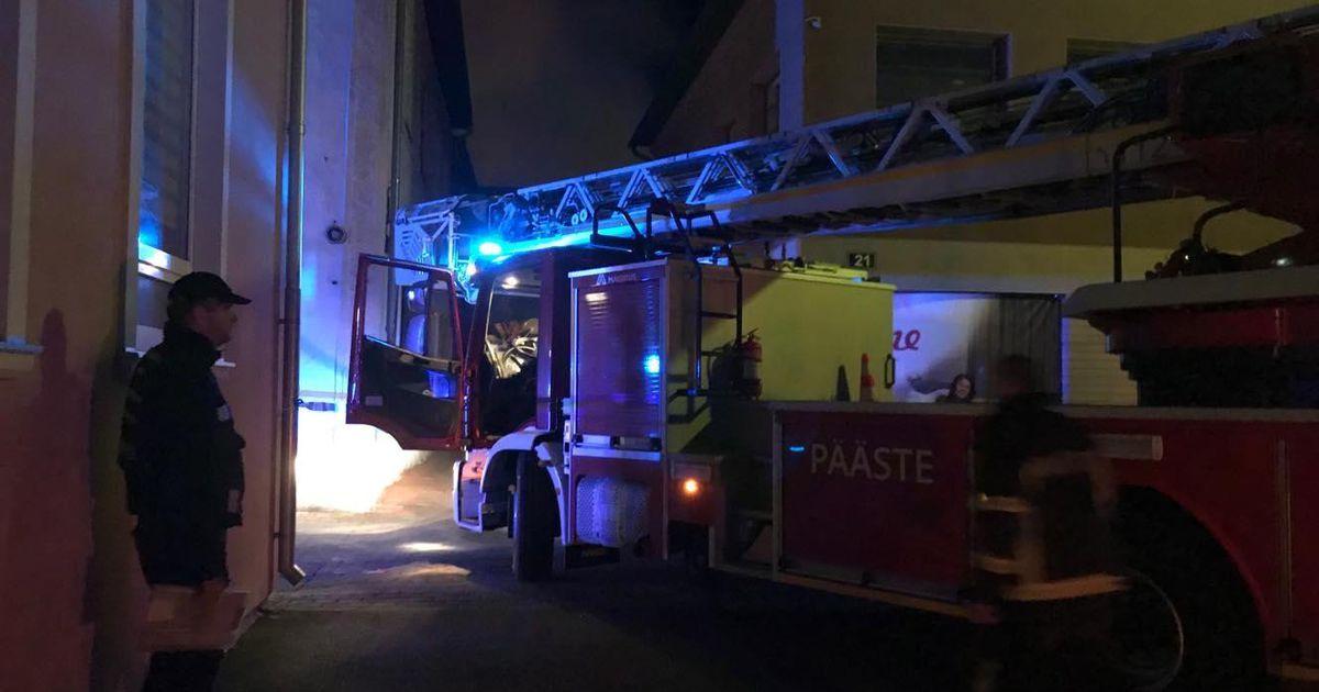 Galerii ja video: Hospidali tänaval põleb kolm hoonet