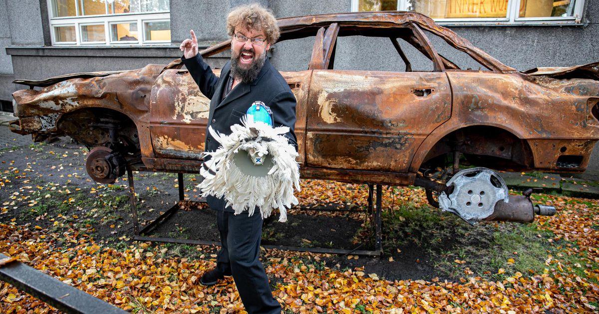 Kunstnike majja juhatab tänasest teed põlenud auto