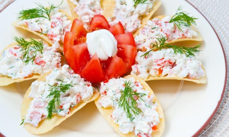 Салат с чипсами рецепты с фото простые