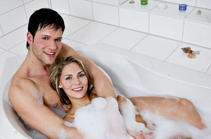 Секс в ванной лесбийский — photo 10