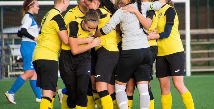2741f29ea04 Peale Viljandi Tuleviku meeskonna mängib sellest hooajast Eesti jalgpalli  meistriliigas ka Tuleviku ja Suure-Jaani Unitedi ühendnaiskond.