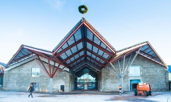 0e06db9893d Lõpliku kõrguse saavutanud Balti jaama turg pidas sarikapidu ...