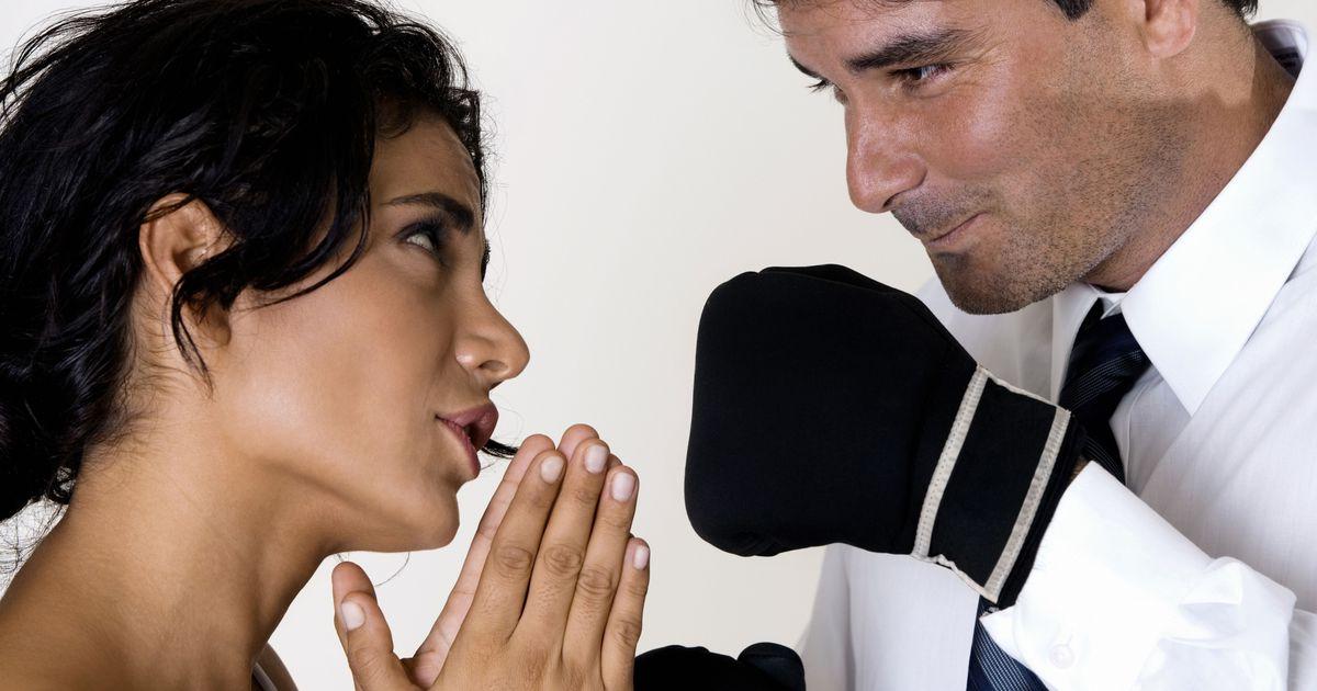 Картинки девушка просит прощение у парня