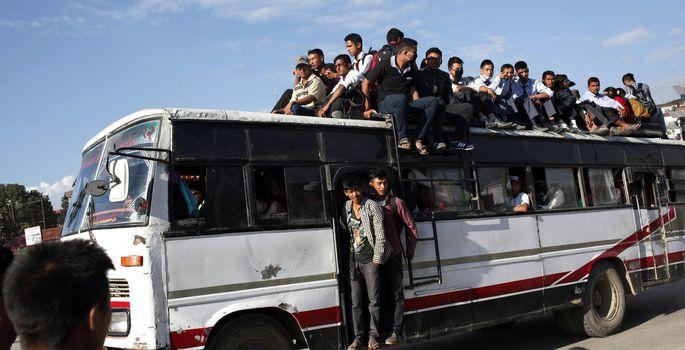 5642362fe2177 Жертва аварии в Кейла-Йоа: это напоминает транспорт в Индии, а не  автобусное движение в стране ЕС
