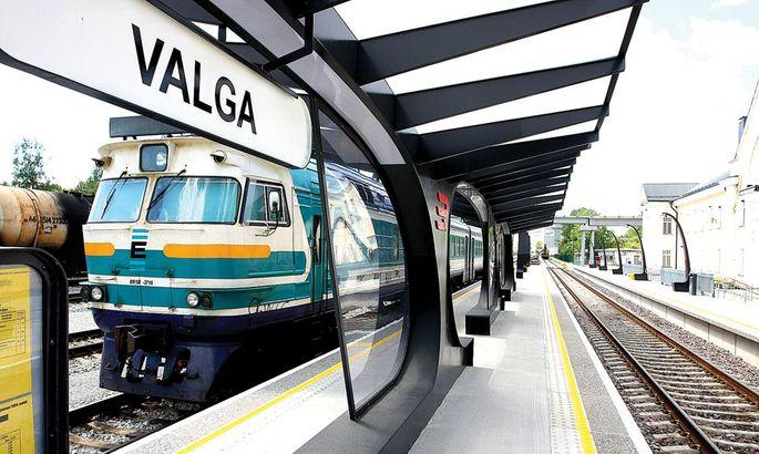 3798513db90 Valka jõudes jääb Riiga edasisõitjatel ühest rongist teise ümberistumiseks  aega kümme minutit. Kuna rongid hakkavad seisma sama ooteplatvormi ääres,  ...