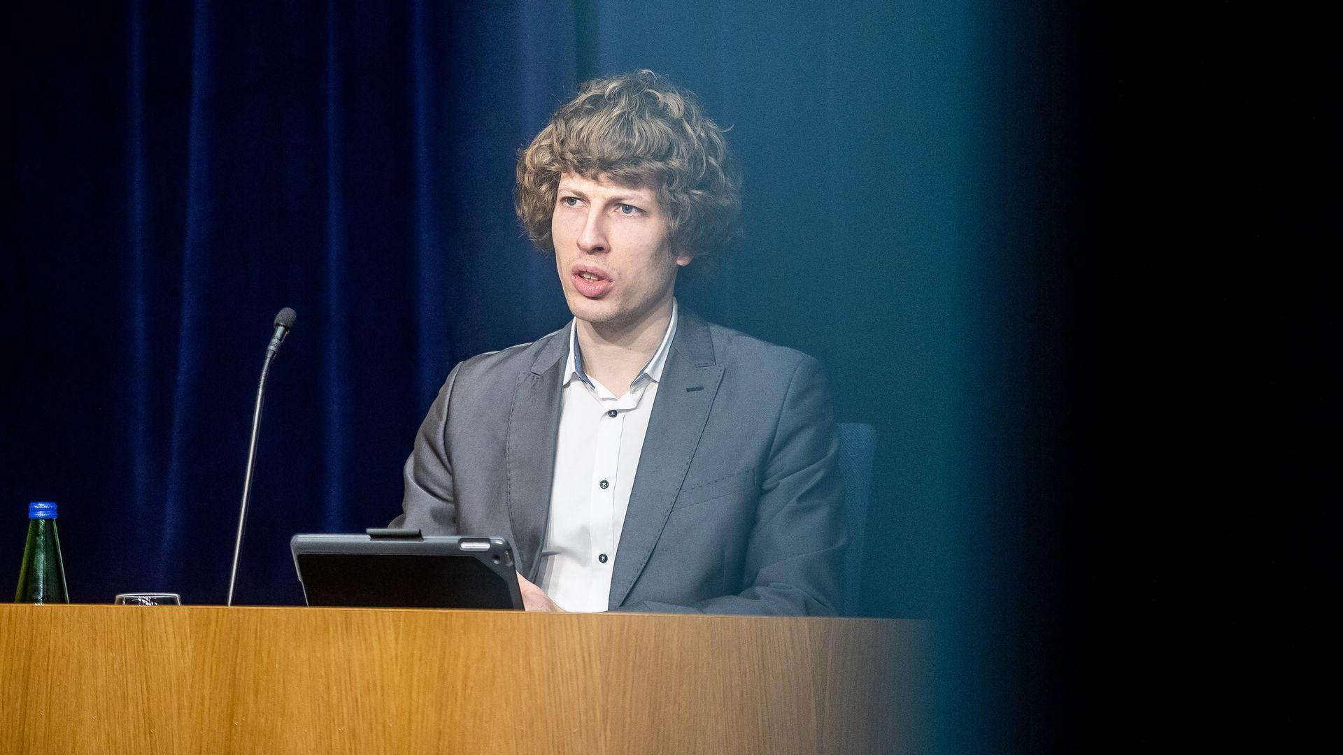 Tanel Kiik:  kaardistame Saaremaa koolimajasid ja spordisaale, et neisse palatiruumid teha