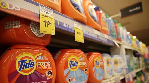 Tide detergent pods from Procter & Gamble are seen at a grocery store in Wheaton, Maryland, in this file photo taken February 13, 2015. Procter & Gamble, the world's largest consumer products maker, reported its sixth straight fall in quarterly sales, as the stronger dollar continued to weigh on the value of sales from overseas markets.     REUTERS/Gary Cameron/Files