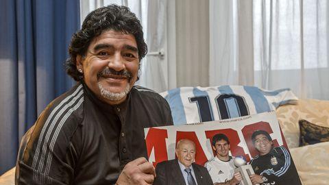 Maradona surma ümber valitseb segadus, politsei hakkab uurima jalgpallilegendi telefone