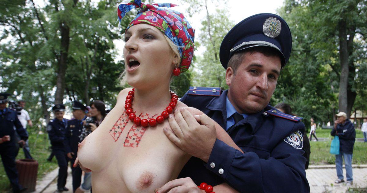 Украинской один эротический пары день