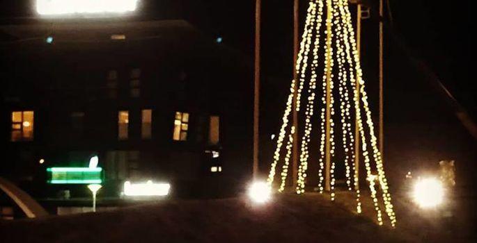 00aca583430 Jõuluküla üks valgusinstallatsioone Rakvere Keskväljakul. | FOTO: Raido  Oolmaa