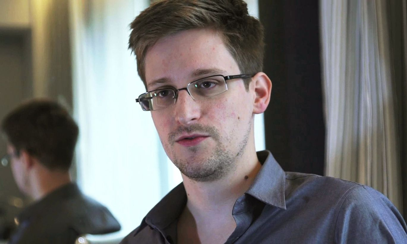 "edward snowden committed treason against the united states The rush by some to celebrate nsa leaker edward snowden as a ""hero the united states government must prosecute and tea partiers committed to bringing."
